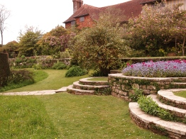 Lutyens circular steps have improved with age